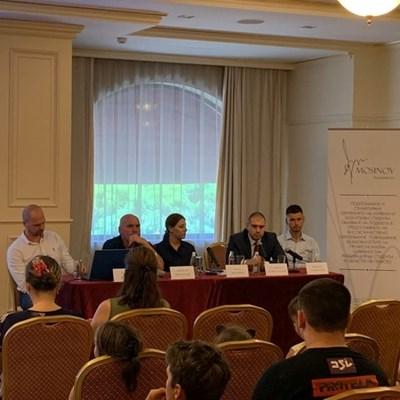 Явор Колев /вторият от ляво/ по време на семинара в Бургас. Снимка:Елена Фотева