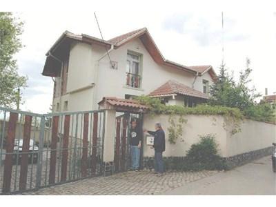 Къщи в южната част на София, строени по стари правила, сега трябва да се узаконят по новите.  СНИМКИ: РУМИ ТОНЕВА