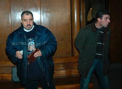 Пламен Митрев (вляво) и Юлиян Добрев на едно от делата