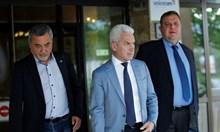 Валери Симеонов посочи  шефката на кабинета си за наследник, уговаря цял ден Волен и Каракачанов (Обзор)