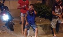 Бандит атакува ММА шампионка, а после го удря на молба да се вика полиция