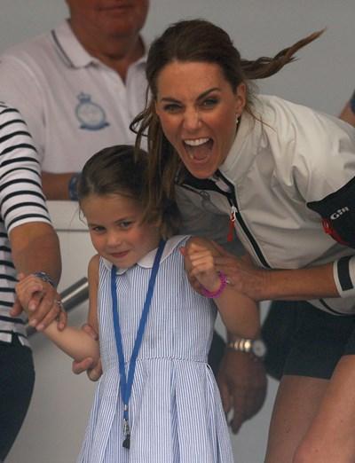 Принцеса Шарлот и майка й Кейт Мидълтън СНИМКА: Ройтерс