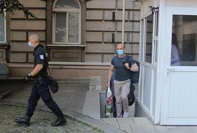 Един от екипите на прокуратурата напусна президентството СНИМКИ: Румяна Тонева