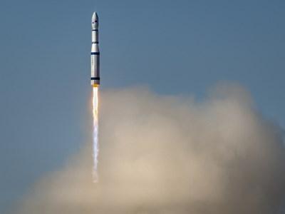 Китай изстреля 9 търговски сателита СНИМКА: Радио Китай