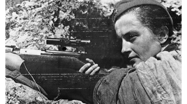Лейди Смърт: 309 убийства правят Людмила Павличенко най-фаталната жена снайперист