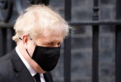 Очаква се премиерът Джонсън да огласи настъпването на третия етап от плана за отхлабване на мерките днес следобед.  СНИМКА: РОЙТЕРС