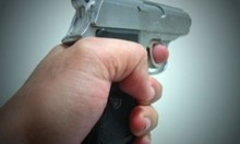Като на филм: Двама с пистолет опитаха да ограбят пътници в такси край Варна