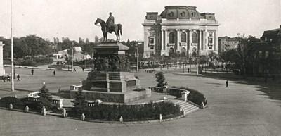 """""""168 часа"""": Софийският университет - от Молловия хан през битки  за пари, бунтове, войни и потайности"""