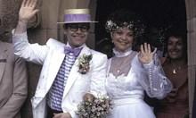 Елтън Джон признава, че е гей след развода си с Рене, която днес иска 3 млн. паунда