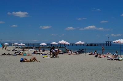 46ab0db97cd Сянката от 30 до 100 лева, морето обаче било по-чисто от гръцкото ...