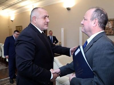 Американският посланик Ерик Рубин посети премиера Бойко Борисов заради разследването за пране на венецуелски пари в българска банка.