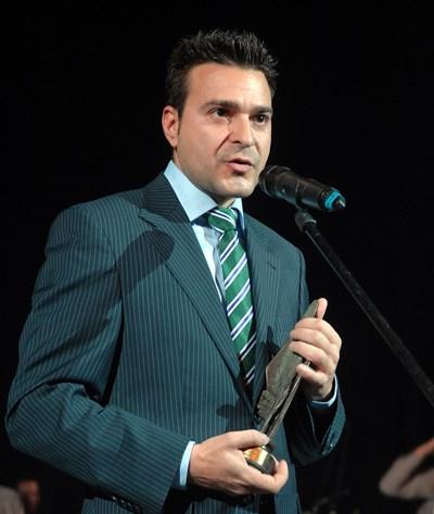 """Слави със специалната  награда на Съюза на издателите  в конкурса """"Черноризец Храбър"""" през 2010 г."""