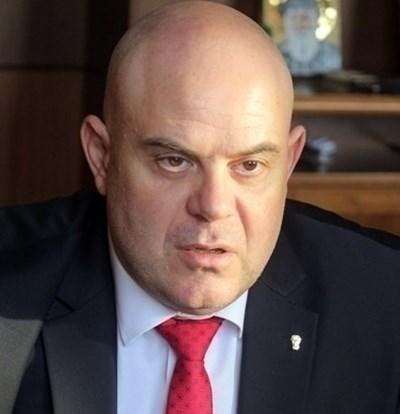 Подобно на българския главен прокурор Иван Гешев, американският зам.-главен прокурор призовава институциите да вземат своевременни и адекватни мерки за справянето с кризата. Снимка Архив