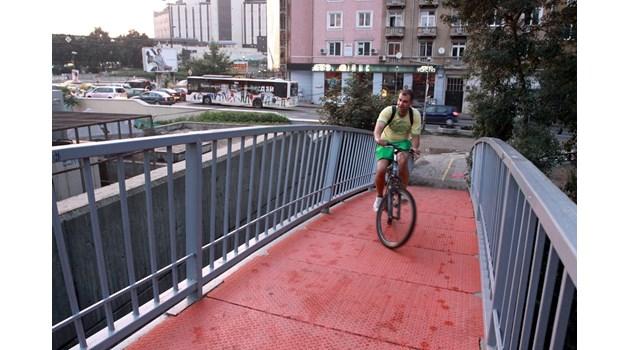 София, Пловдив и Бургас ударно сменят старите автобуси с нови на газ