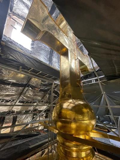 Куполите на Катедралата във Варна - със златен блясък до дни (Снимки)