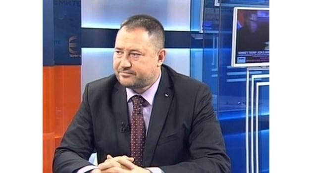 Бившият шеф на ДАБЧ Петър Харалампиев остава за постоянно в ареста