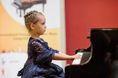 "Момиченцето ще участва в концерт в ""Карнеги хол"" в Ню Йорк и ""Роял Албърт хол"" в Лондон"