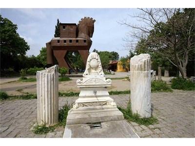 Символът на Троя - Троянският кон СНИМКА: СТОЯН НИКОЛОВ