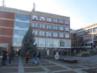 670 кандидати за висше държаха онлайн изпит  за университета във В.Търново