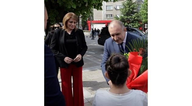 За първи път след операцията: Десислава Радева придружи президента в Първомай