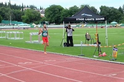 Митко Ценов печели на 3000 метра с препятствия.
