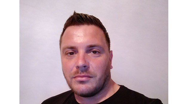 Вижте убития 35-годишен Валери Дъбов тази сутрин в Кюстендил, който станал случаен свидетел на мелето