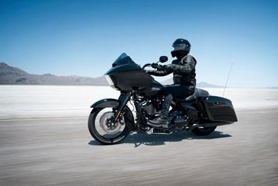 Harley-Davidson и Triumph - класика в мотоциклетния жанр