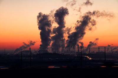 Замърсяването на въздуха е доказано, че води до някои тежки здравословни проблеми като сърдечни болести, рак, астма и друг   СНИМКА : Рixabay
