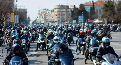 Рев на 1000 мотора в центъра на Варна