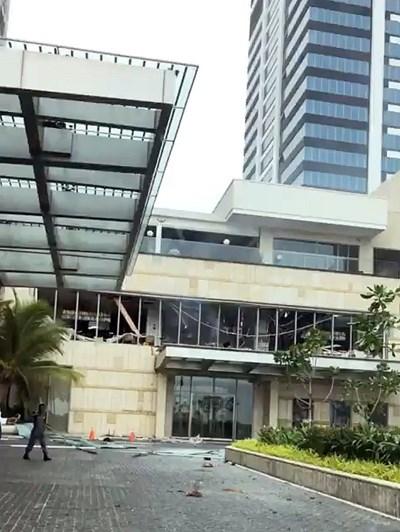 Един от атакуваните хотели СНИМКА: Ройтерс