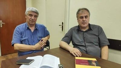 Проф. Пламен Павлов (вляво) и доц. Николай Кънев