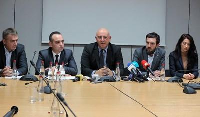 Министърът на екологията Емил Димитров се срещна с представители на рециклиращия бизнес в четвъртък и се обединиха около мерки срещу сивия сектор в бранша.  СНИМКА: Румяна Тонeва