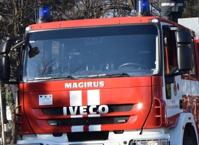 Огнеборци спасиха от пожар камион  и техника в Полскотръмбешко