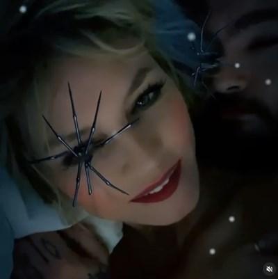 Паяк мърда върху окото на Хайди Клум (Видео)
