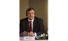 Кой е милиардерът Андрей Гуриев, който покани в борда Ирина Бокова