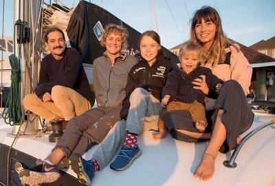 Шведската екоактивистка Грета Тунберг отплава днес от САЩ за Европа с катамаран СНИМКИ: РОЙТЕРС