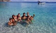 Как почиват футболните звезди: Роналдо и Алвеш избраха хитовия Ибиса, Меси е на Карибите