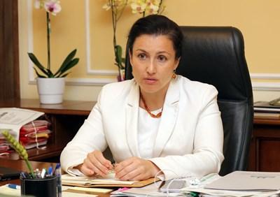 Министър Десислава Танева СНИМКА: Румяна Тонeва