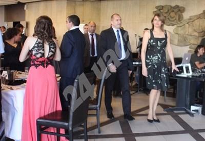 Миналата година Радев и съпругата му посрещнаха гостите си в ресторант Лаура в НДК.  Снимка РУМЯНА ТОНЕВА