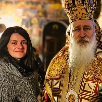 Годеницата на Скатов - Шени Бензеш, го почете в манастир