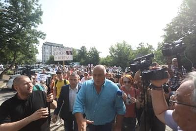 Бойко Борисов идва на разпит Снимки: Николай Литов