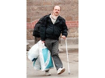 Иво Недялков излиза от Софийския затвор на 28 февруари 1999 г. СНИМКА: ПЛАМЕН ТОДОРОВ