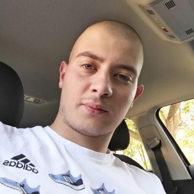 Иван Куцаров даде гласност на скандала след като бе освободен от училището.