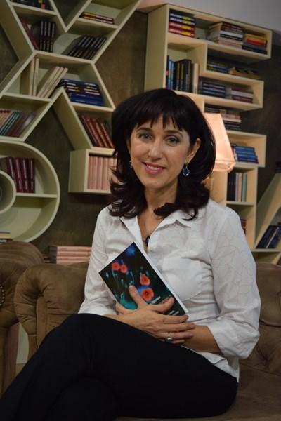Д-р Василка Юрукова, хомеопат с първата си книга