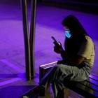 Според редица проучвания телефонът е основно средство за поддържане на тайни връзки, след това са имейл и чатове.