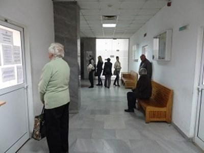 Изплащането на пенсиите и добавката от 50 лева към тях започна на 7 август СНИМКА: НОИ