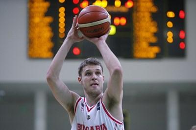 Везенков ще играе за България в предстоящите квалификации. СНИМКА: Lap.bg