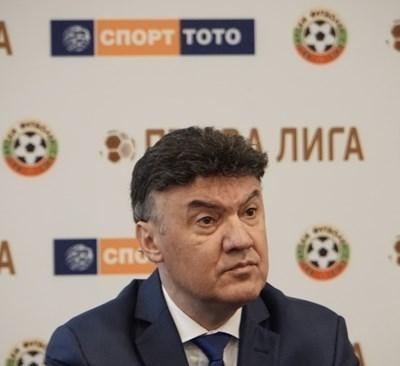 Проверка на всички членове на изпълкома на БФС, включително и президента в оставка Борислав Михайлов, правят данъчните.