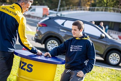 Симеон Цветков на първото международно състезание за млади шофьори в Любляна.