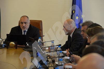 Премиерът Бойко Борисов и вицепремиерът Томислав Дончев СНИМКИ: Йордан Симеонов